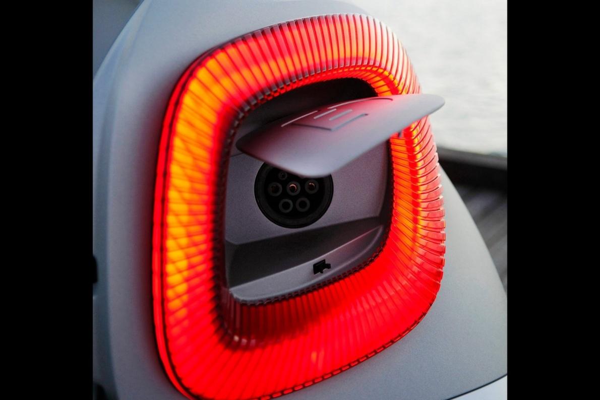 2012款 Smart for-us Concept 官图 充电