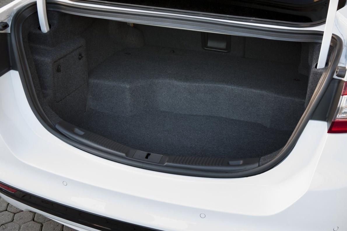 2015款 蒙迪欧(海外) Hybrid 官图 座椅空间