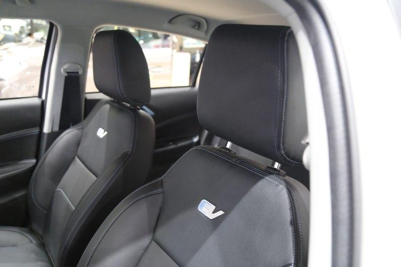 2016款 华晨中华H230EV 车展 座椅空间