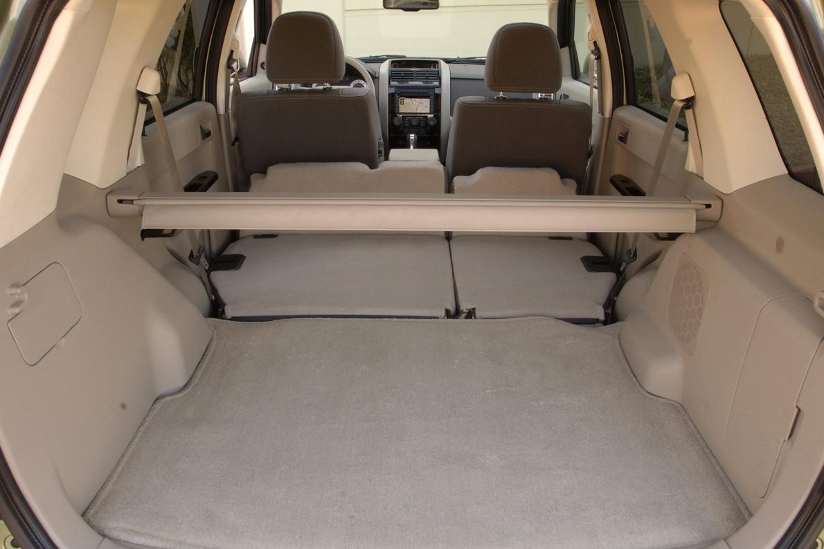 2008款 马自达 Tribute Hybrid-Electric Vehicle 官图 座椅空间