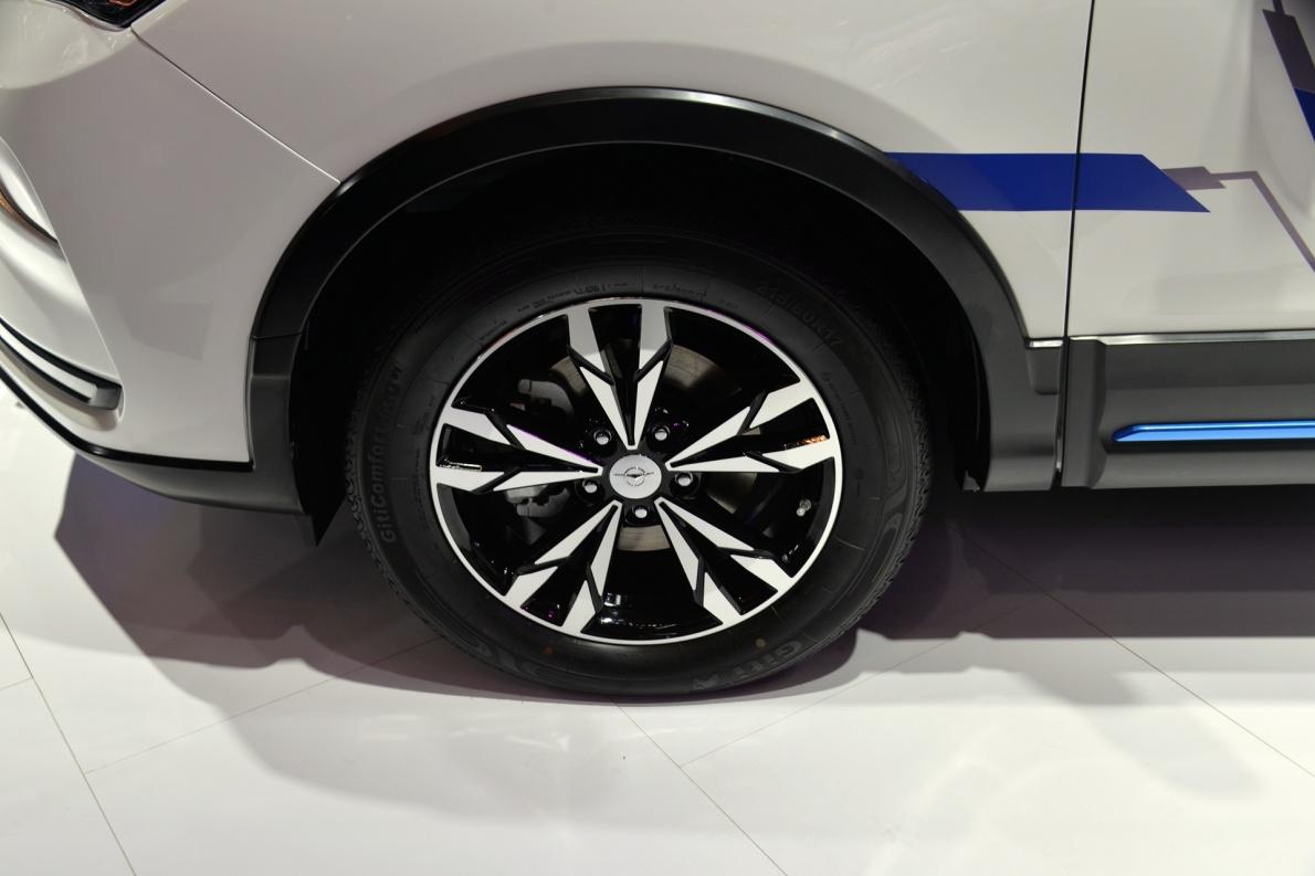2018款 海马 E5 基本型 车展 细节