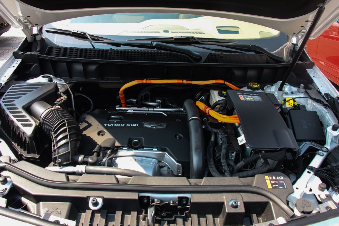 2018款 凯迪拉克 28E 四驱铂金版 钻白 实拍 动力底盘