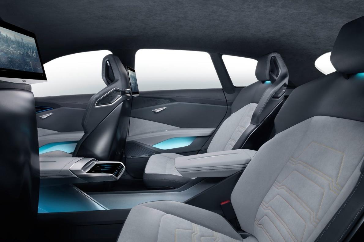 2016款 奥迪 h-tron quattro Concept 官图 座椅空间