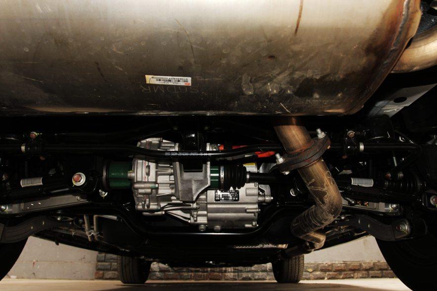 2015款 比亚迪唐 2.0T四驱旗舰型 动力底盘