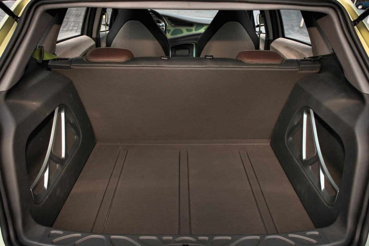 2009款 奔驰 BlueZero Concept 官图 座椅空间