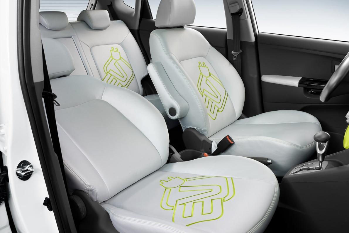 2010款 起亚 Venga EV Concept 官图 座椅空间