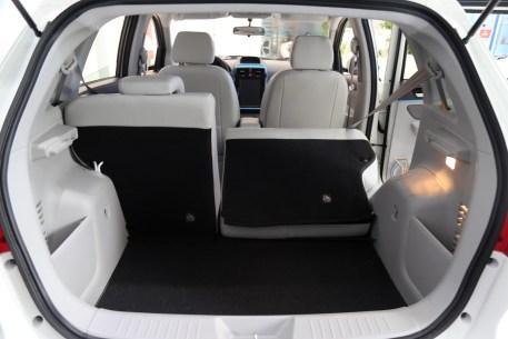 2016款 北汽新能源EV160 轻快版 阿尔卑斯白 实拍 座椅空间