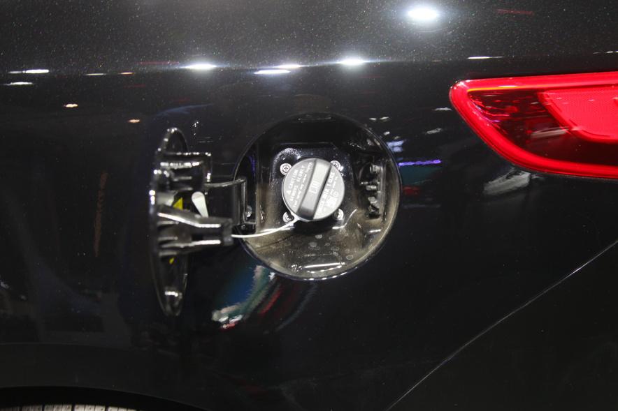 2018款 起亚 K5 PHEV 车展 充电
