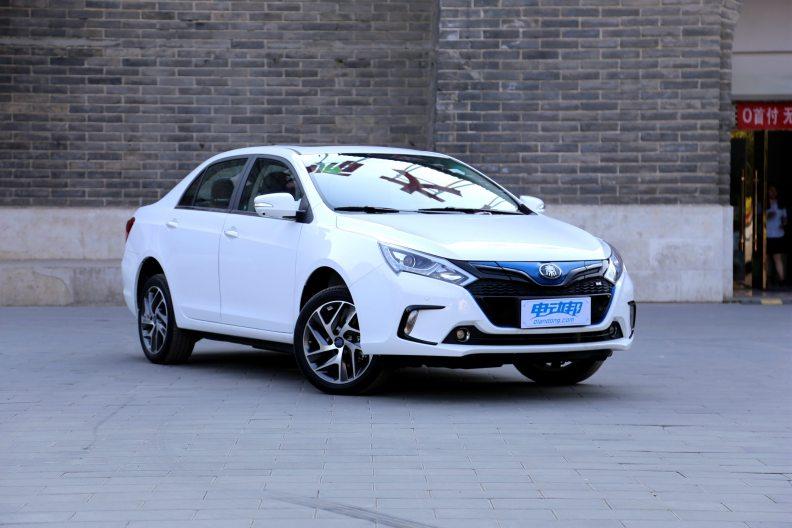 2017款 比亚迪 秦 EV300 尊享型 水晶白 实拍 外观