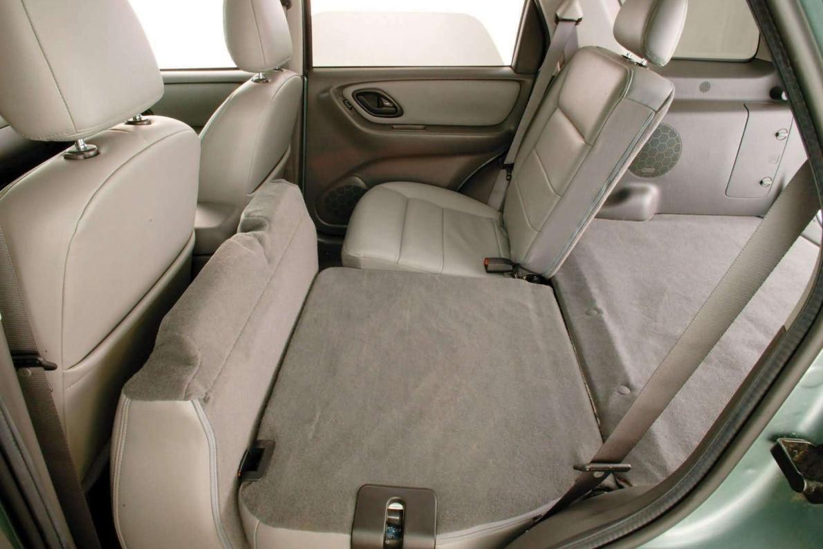 2005款 福特 翼虎(海外)Hybrid 官图 座椅空间