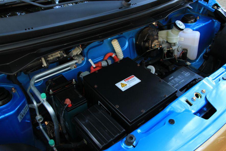 2016款 江铃 E100 标准型 实拍 动力底盘