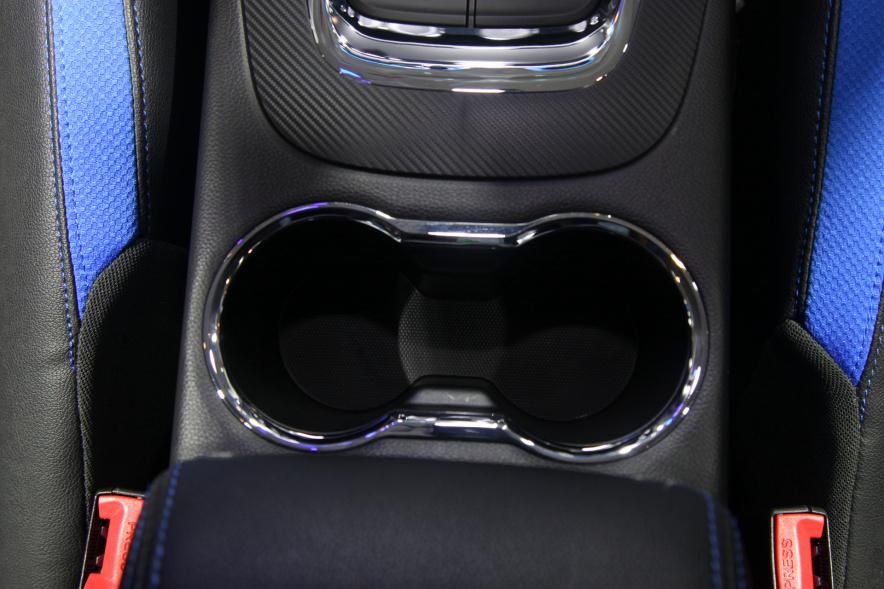 2018款 东南 DX3 EV400 车展 座椅空间