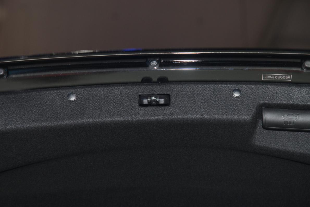 2018款 起亚 K5 PHEV 车展 座椅空间