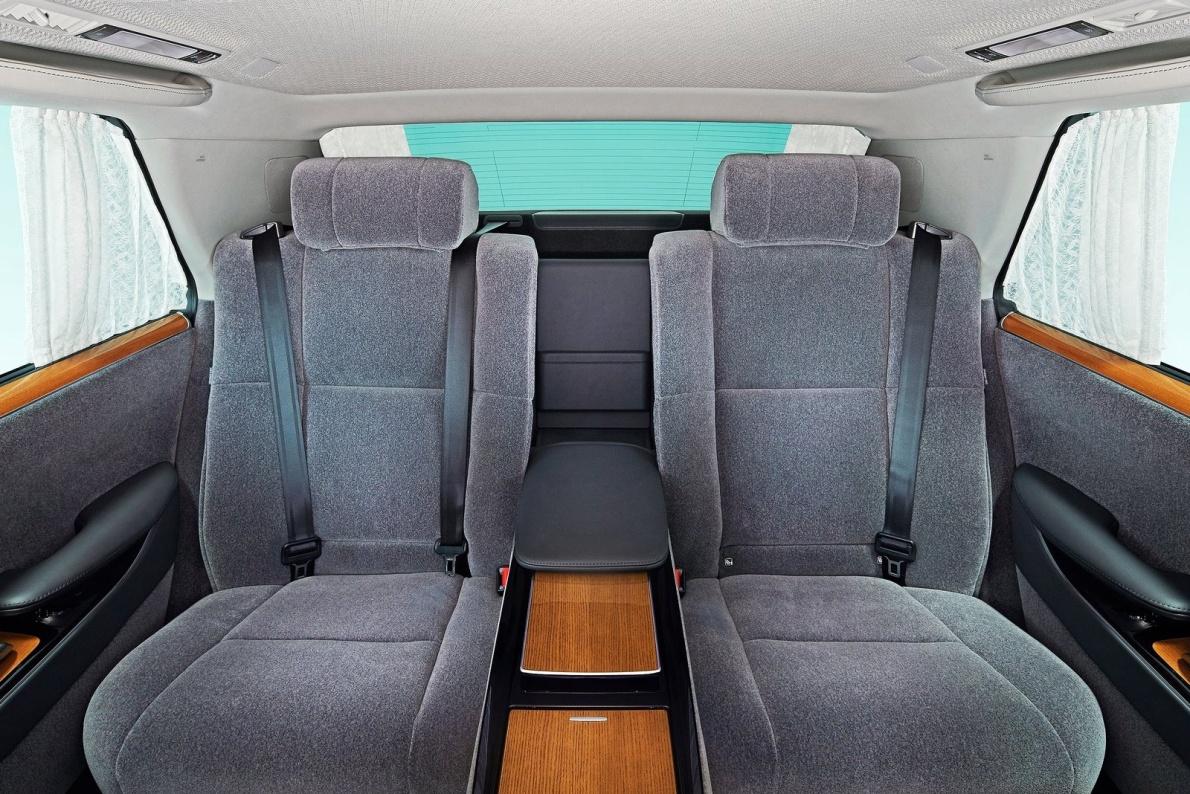 2018款 丰田 世纪 基本型 官图 座椅空间