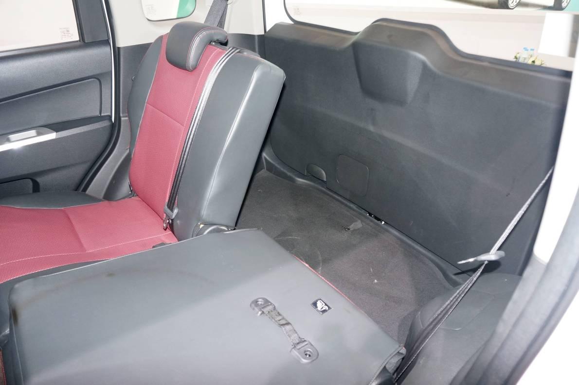 2017款 长安 欧力威 EV 基本型 座椅空间