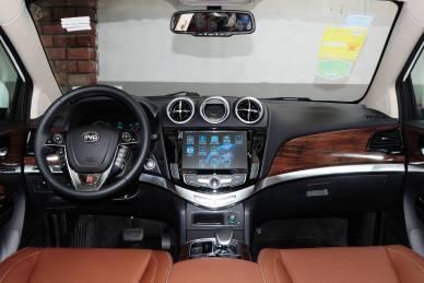 2015款 比亚迪唐 2.0T四驱旗舰型 内饰