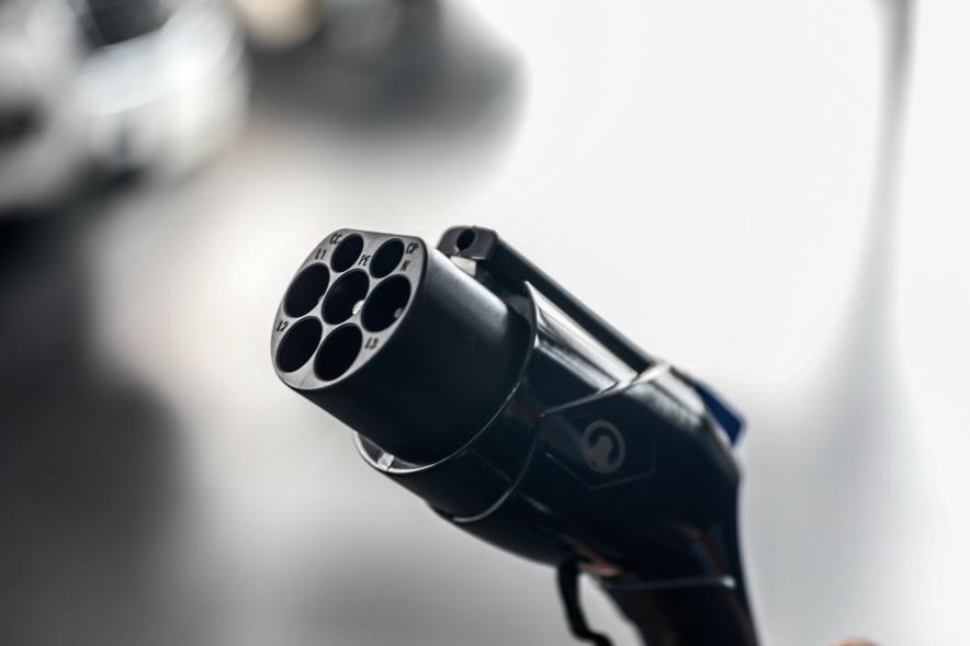 2018款 长城 C30 EV 升级版 精英型 钛白 实拍 充电