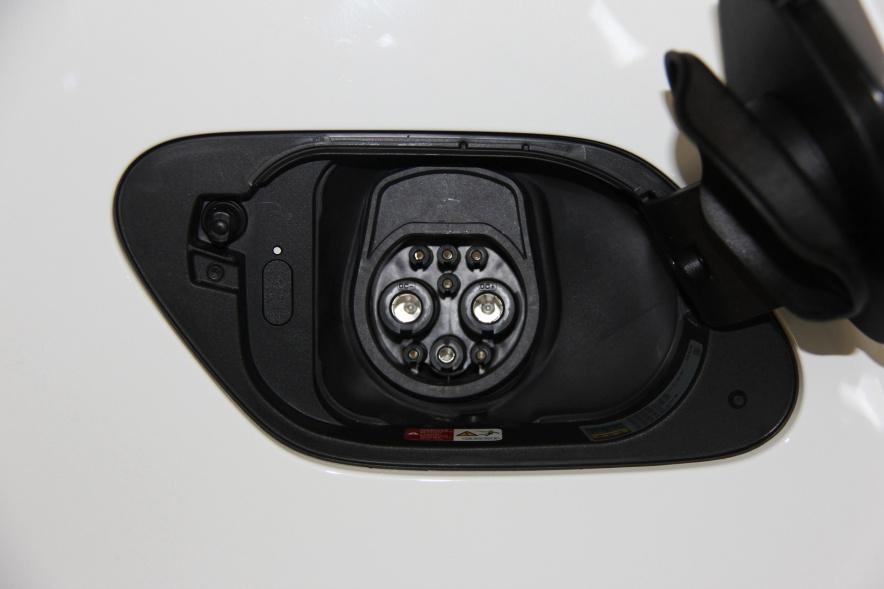 2018款 大众 高尔夫 e-Golf 实拍 充电