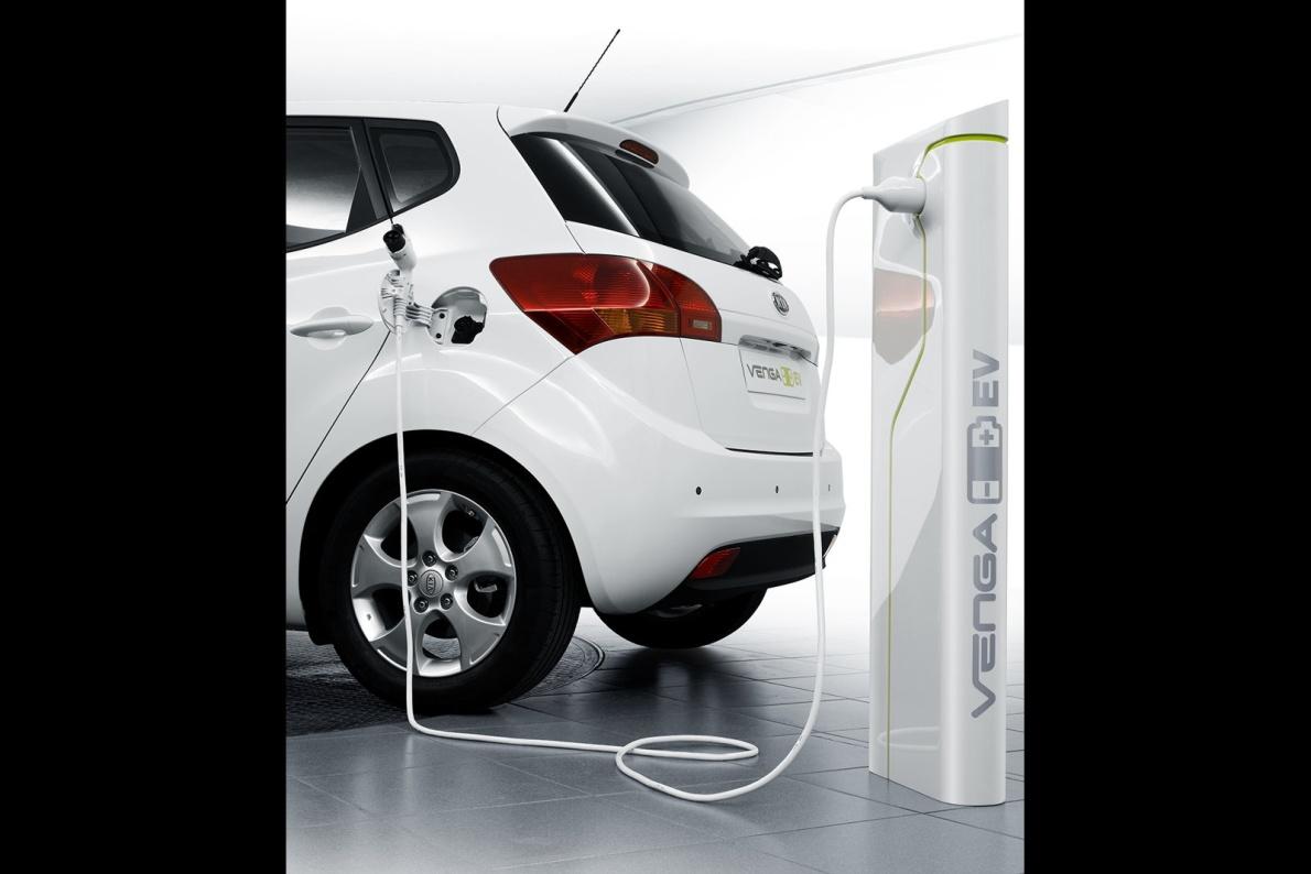 2010款 起亚 Venga EV Concept 官图 充电