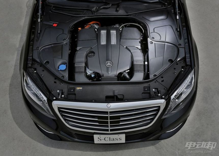 2016款 奔驰S 500 PLUG-IN HYBRID 动力底盘