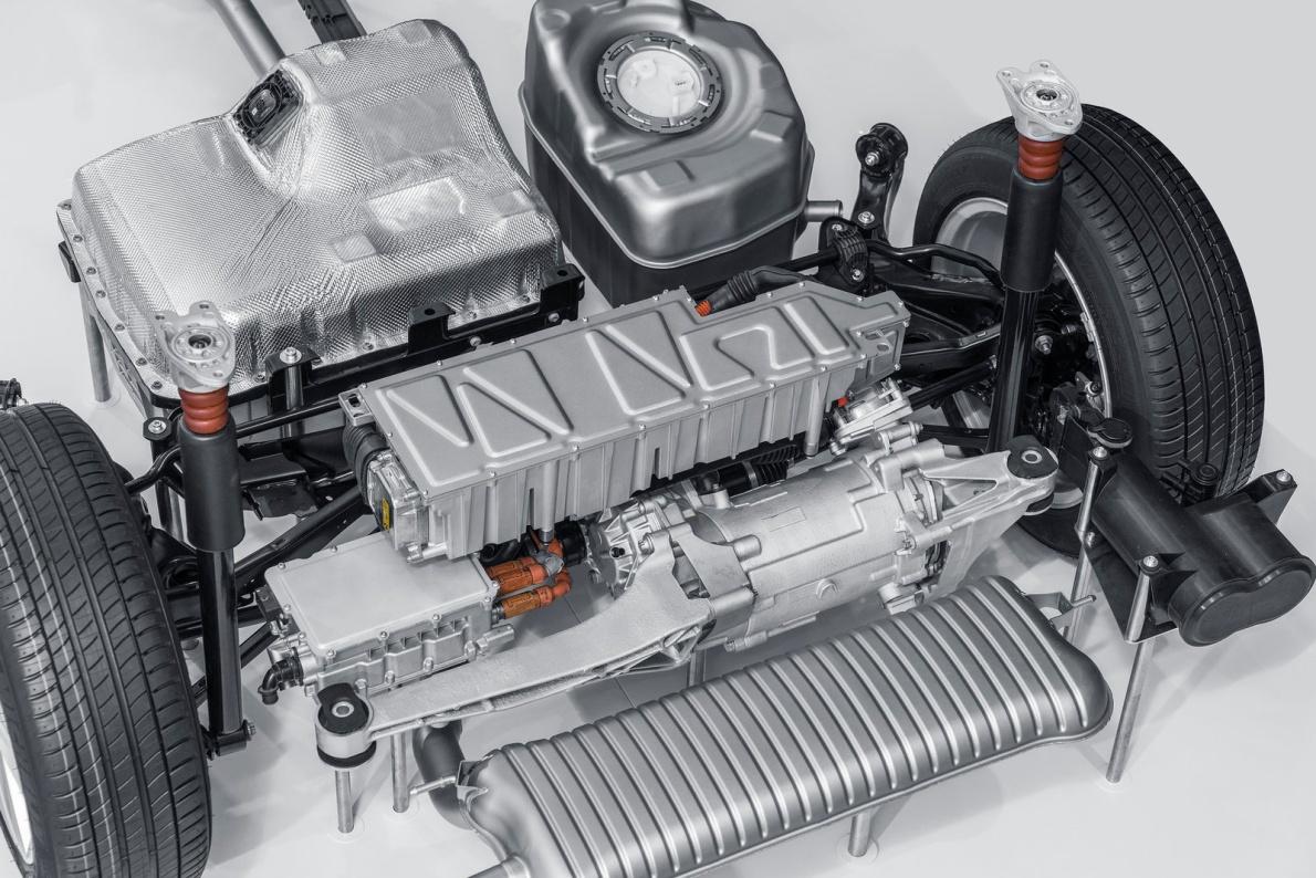 2016款 宝马2系 225ex Plug-in Hybrid 官图 动力底盘