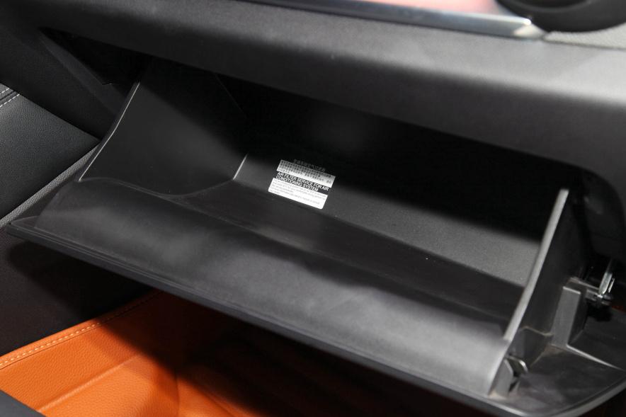 2018款 比亚迪 宋 DM 车展 座椅空间