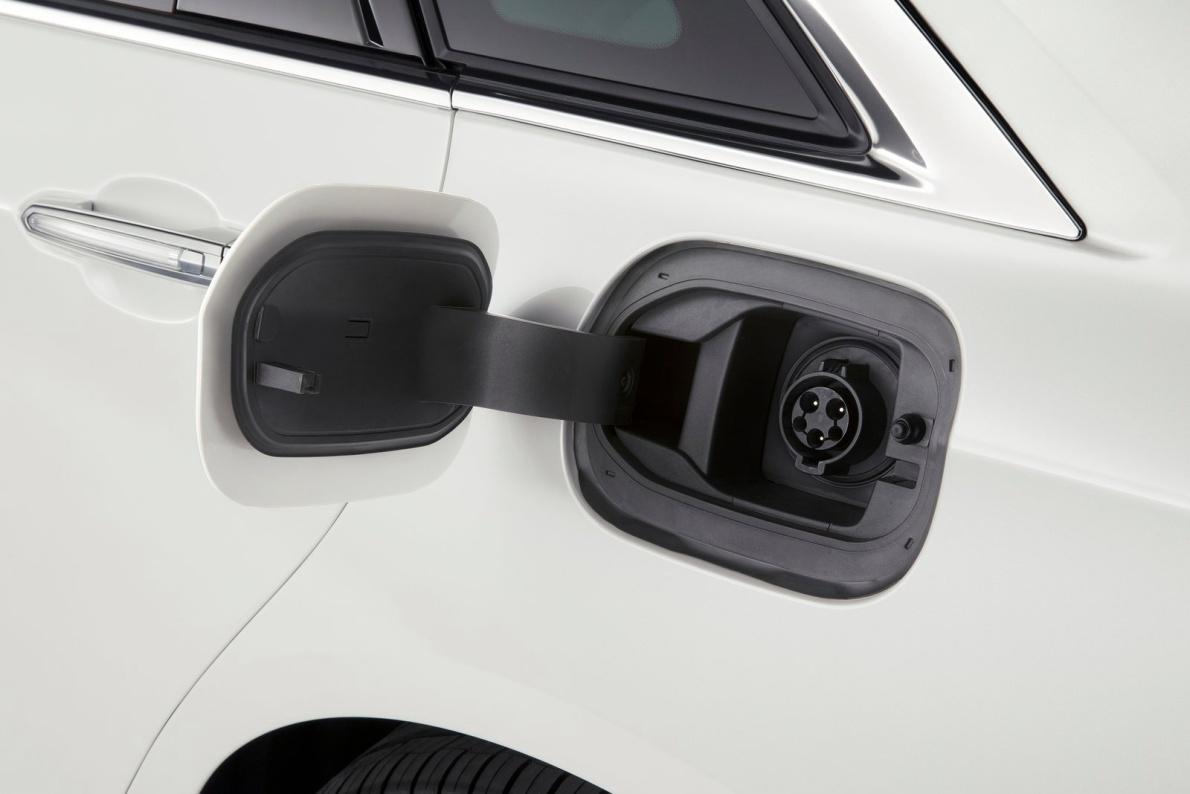 2017款 凯迪拉克 CT6(海外) Plug-in Hybrid 官图 充电