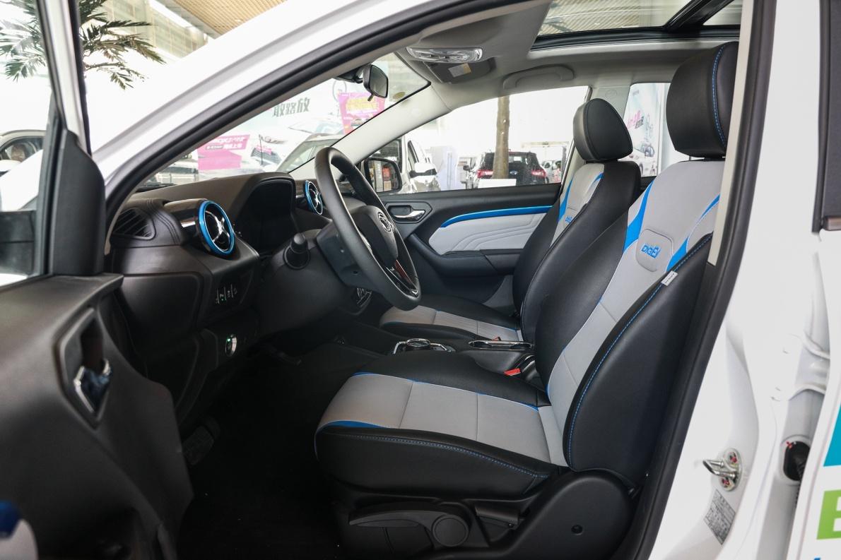 2018款 东南 DX3 EV 旗舰型 实拍 座椅空间
