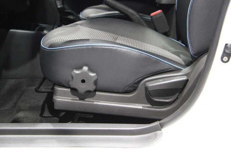 2017款 华骐 300E 车展 座椅空间