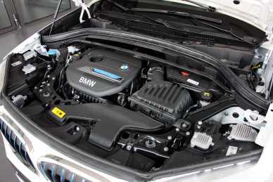 2017款 宝马X1 xDrive 25Le 雪山白 实拍 动力底盘