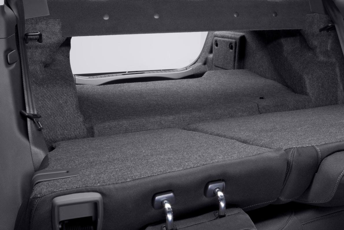 2013款 福特 Fusion Hybrid 官图 座椅空间