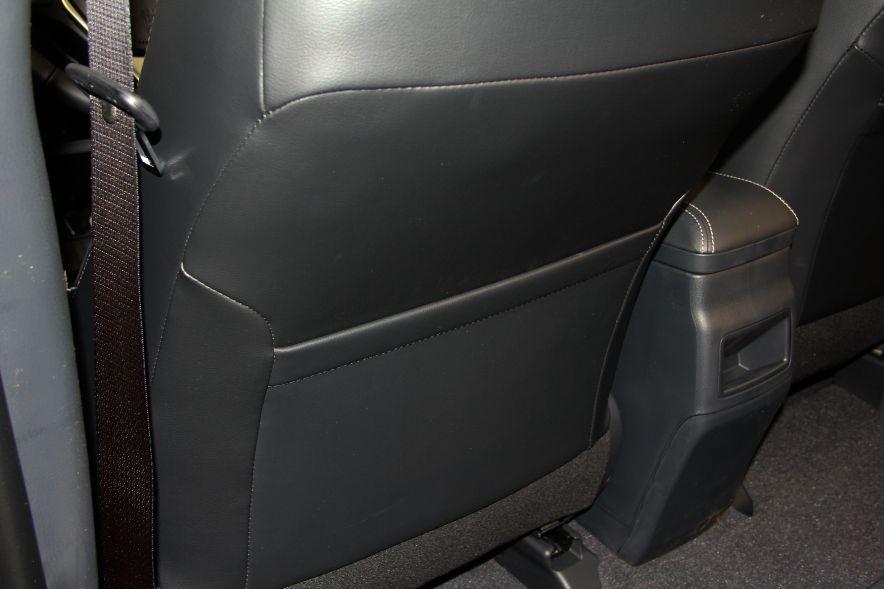 2016款 卡罗拉双擎 旗舰版 实拍 座椅空间
