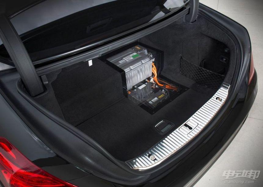 2016款 奔驰S 500 PLUG-IN HYBRID 官图 座椅空间