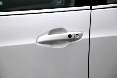2017款 比亚迪  e5 300 尊荣型 水晶白 实拍 外观细节