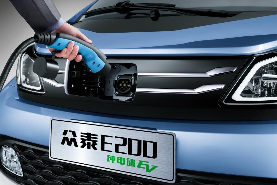 2016款 众泰E200 官图 充电