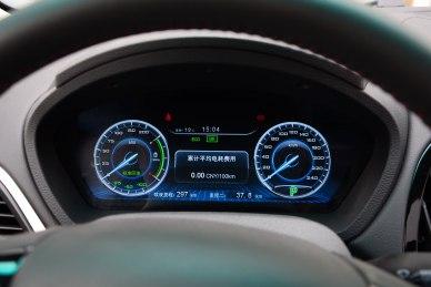 2016款 比亚迪秦EV300 尊贵型 实拍 内饰