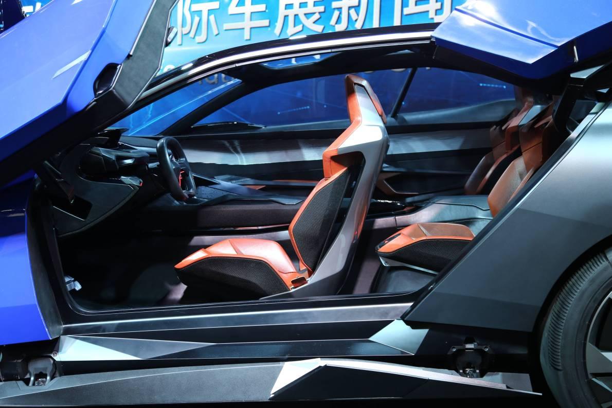 2015上海车展 实拍  标致quartz  座椅空间