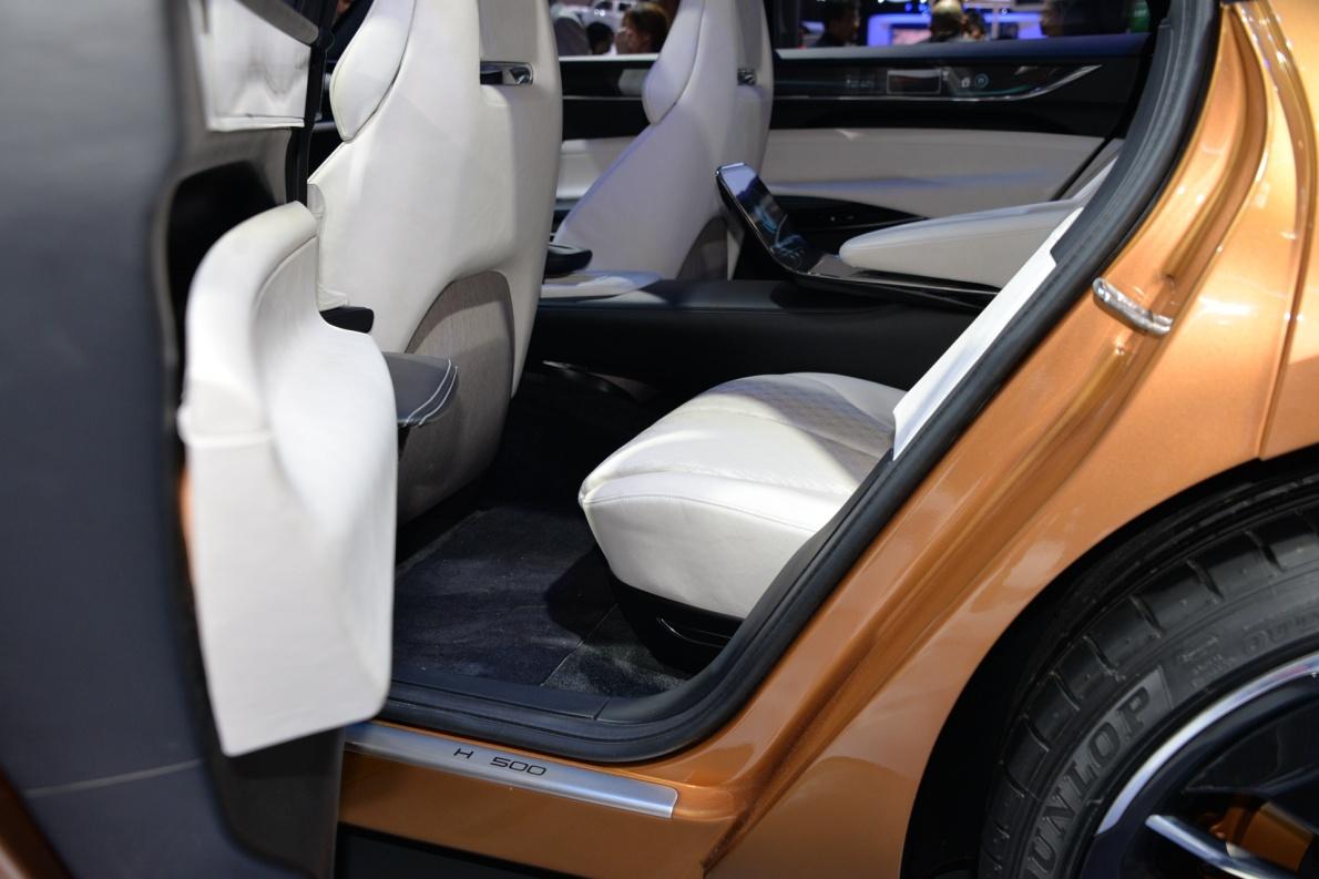 2018款 正道 H500 车展 座椅空间