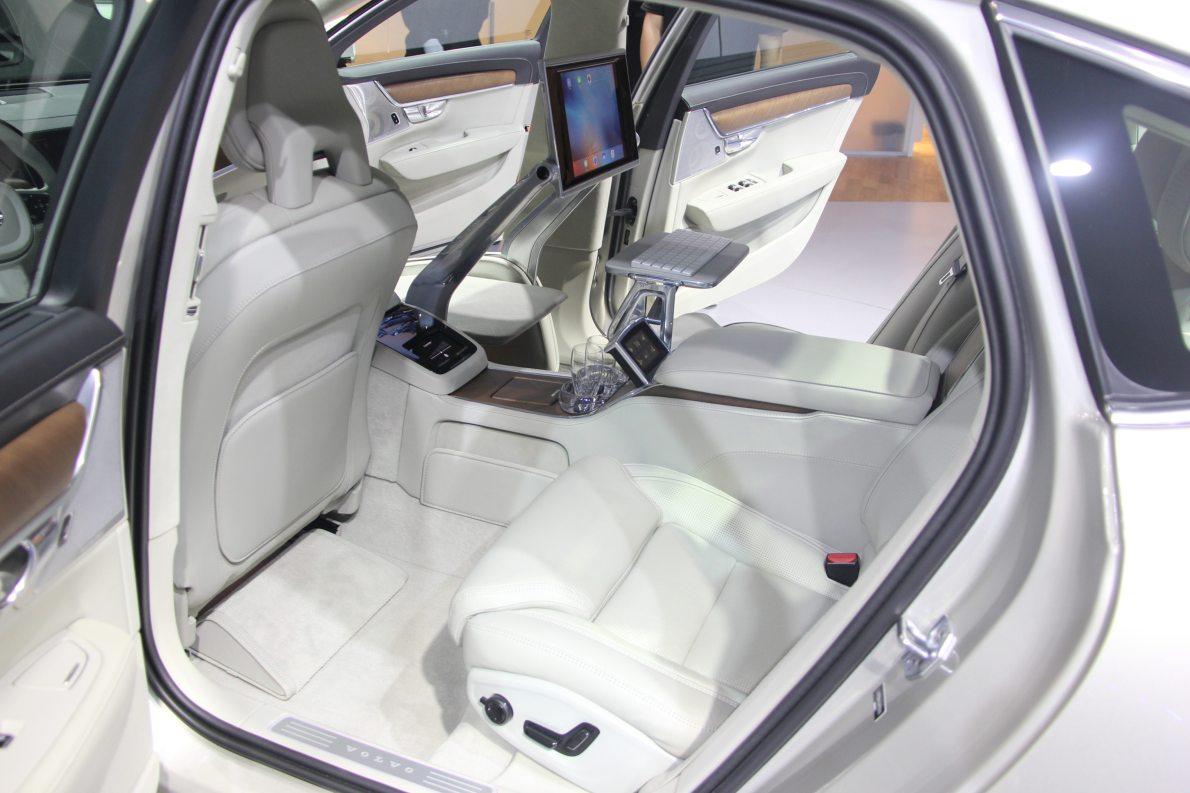 2017款 沃尔沃 S90 EXCELLENCE 车展 座椅空间