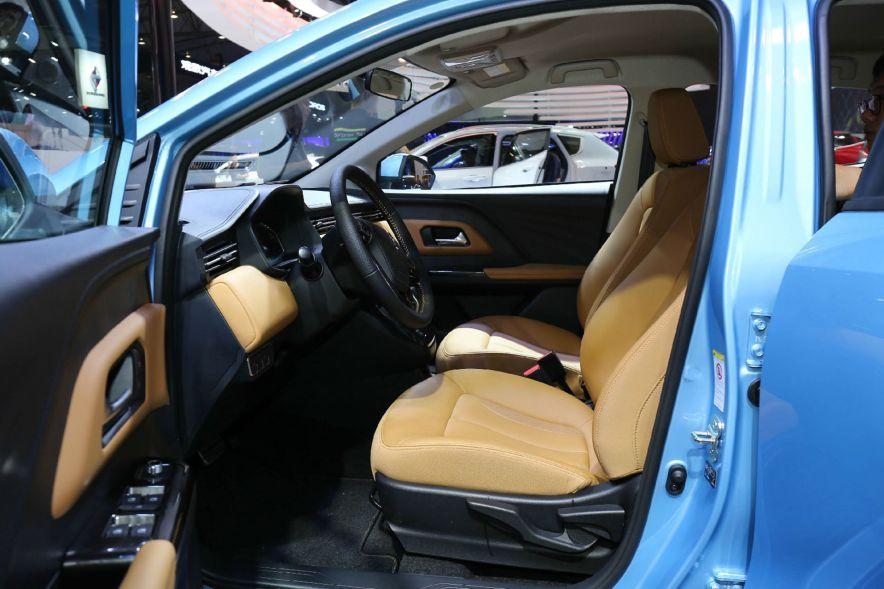 2018 欧拉 iQ 智享型 蓝色 车展 座椅空间