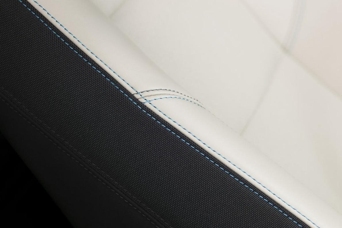 2011款 沃尔沃C30 BEV 官图 座椅空间