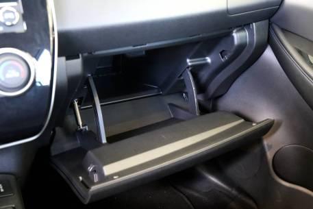 2016款 启辰晨风 领航智联版6.6KW 晨风蓝 实拍 座椅空间