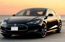《消费者报告》新评Model S:大毛病没有,小毛病不断