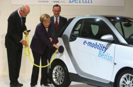 """德国看齐挪威,将出台电动车""""免费停车""""新政"""