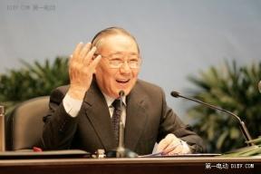 李岚清:太想看到中国电动汽车领军