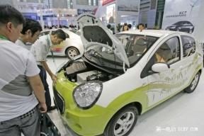 武汉开出首张新能源汽车免税单 购28万元车可省11万