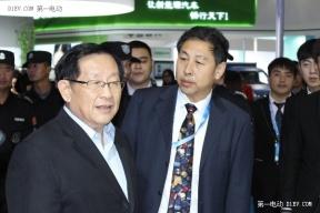 EV晨报 李克强:加快发展新能源车;国产Model 3 将实现自动驾驶;众泰云100销量破万......
