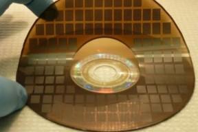 韩国发明石墨烯超级电容 充电只需16秒