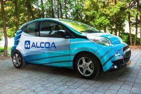 """军用铝空气化学电池技术运用电动汽车 可""""日行千里"""""""
