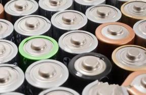 日本电池材料喜忧参半 中国静等动力电池补贴